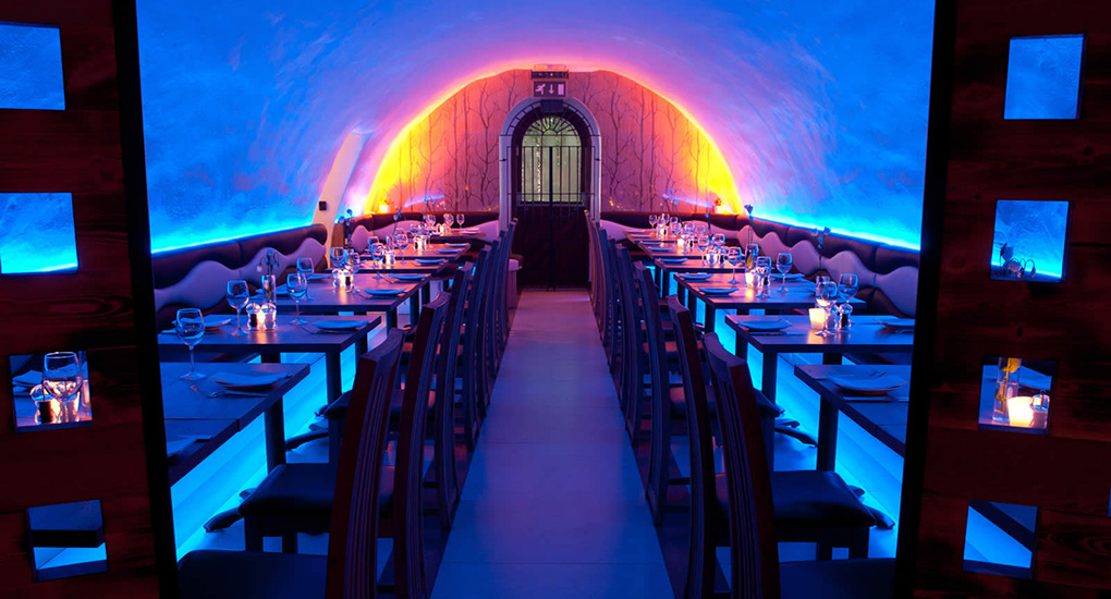 La Perla restaurant with colour changing LED Tape